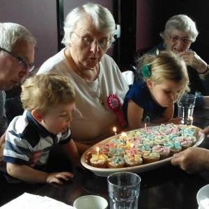 Harold's Mom's 85th Birthday002_May 5, 2014.