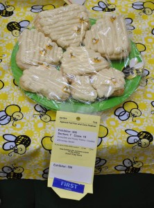 Dana's HoneyBee and Honey Theme - Cookies with honey